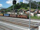 BLS Re 4/4 165 & 180 mit Containerzug durchfahrend in Frutigen