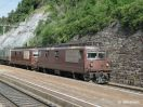 BLS Re 4/4 167 in DT vor KLV-Zug durchfahrend in Hohtenn