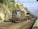 BLS Re 4/4 171 schiebt einen Autozug in Ausserberg Ri Brig