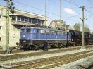 110 235-9  als Vsp vor 01 519 und DZ 22885 im Bf Stg-Zuffenhausen